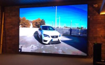 Kaposvár LEDfal – Autós szimulátor installálás